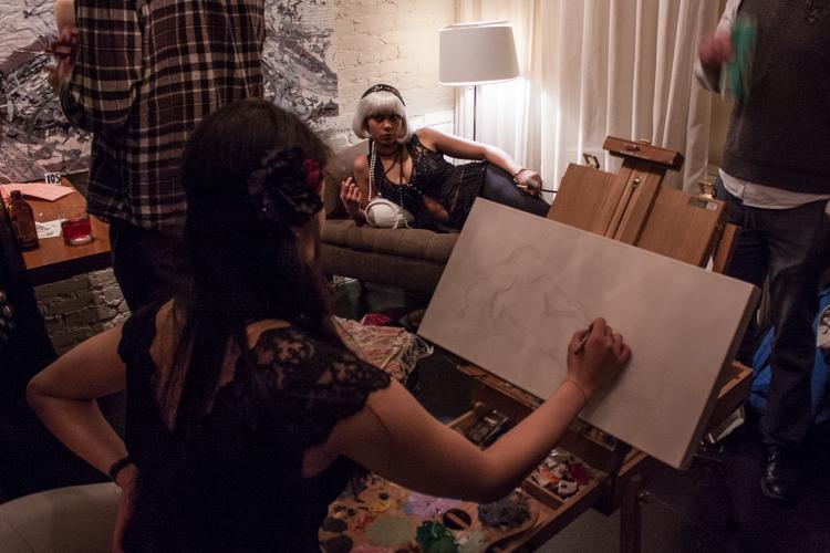 Artist Minji Reem sketches her model