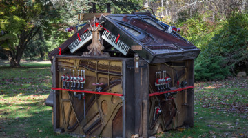 'The Pianohouse' by Trimpin